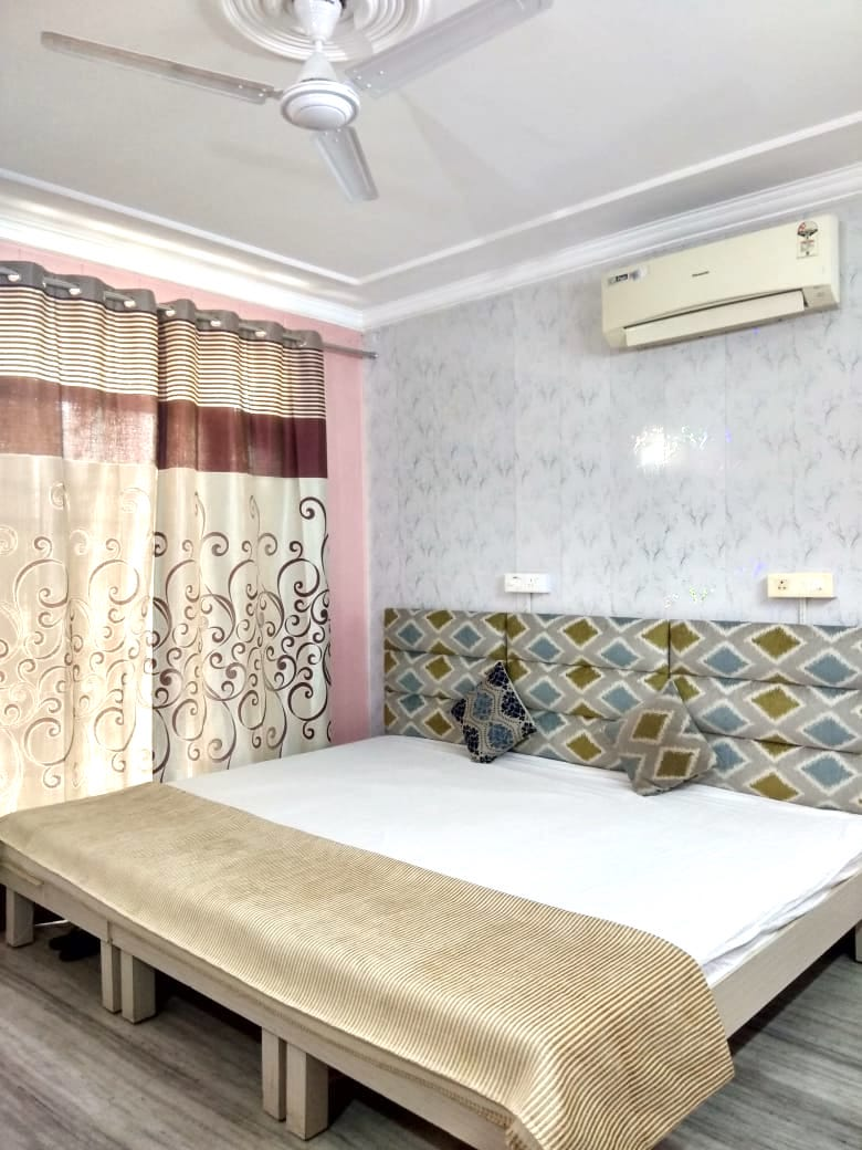 Excellent Girls PG Fully Furnished with study environment