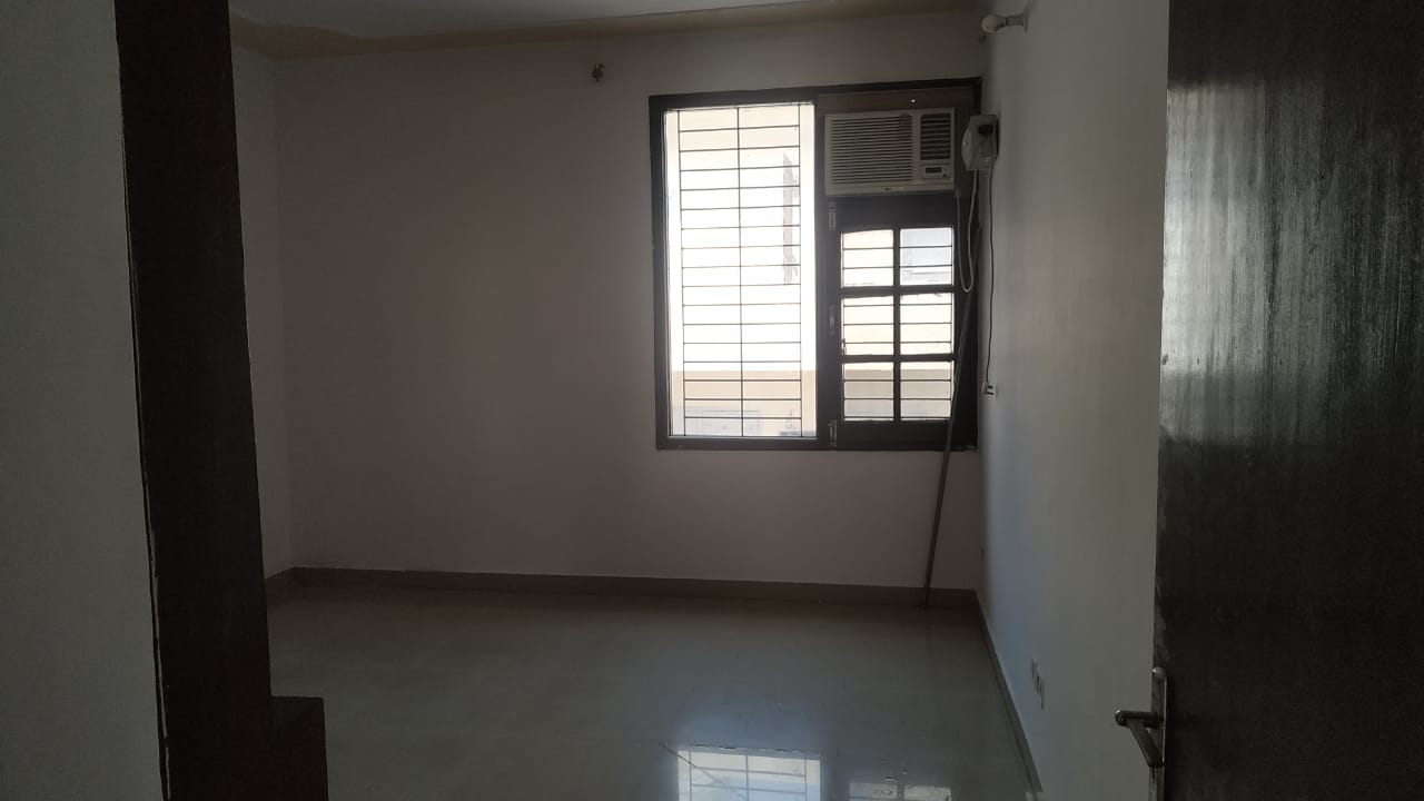 2BHK + Store room New Sunny Enclave Sector 125